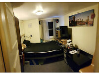 Double room to let in Elephant and Castle
