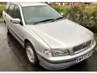 Volvo V40 2.0 Automatic long MOT drives perfect 3 owners