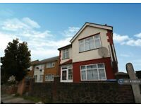 3 bedroom house in Northfield Road, Enfield, EN3 (3 bed) (#1081528)