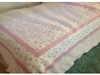 Pretty Cottage Style Reversible Floral Print Double Bedspread/Throw