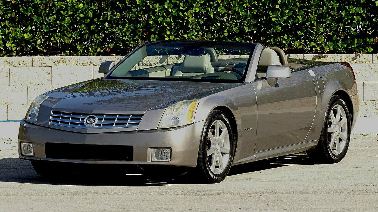 2004 CADILLAC XLR ROADSTER RETRACTABLE HARD TOP 38000 MILES EXCELLENT IN AN OUT