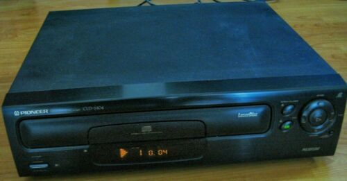 NICE! VINTAGE Pioneer CLD-S104 LaserDisc/CD/CD-G Player-Tested & Works-NO REMOTE