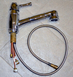 Chrome Kitchen pull out faucet