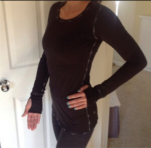 Lululemon Black Swan Cabin Long Sleeve Top!
