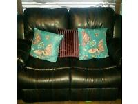 2 Seater Black leather sofa recliner