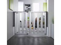 Lindam numi extending baby gate x 2