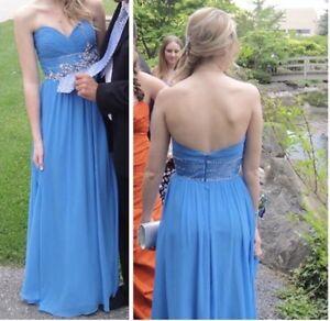 Beautiful graduation dress!