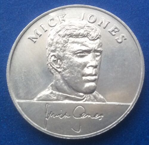 MICK JONES ENGLAND 1970 WORLD CUP SQUAD ESSO COINS / MEDALS