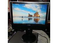 "20"" Viewsonic widescreen LCD monitor + Speakers for PC - Dual Screen - Laptop - Mac **DELIVERY**"