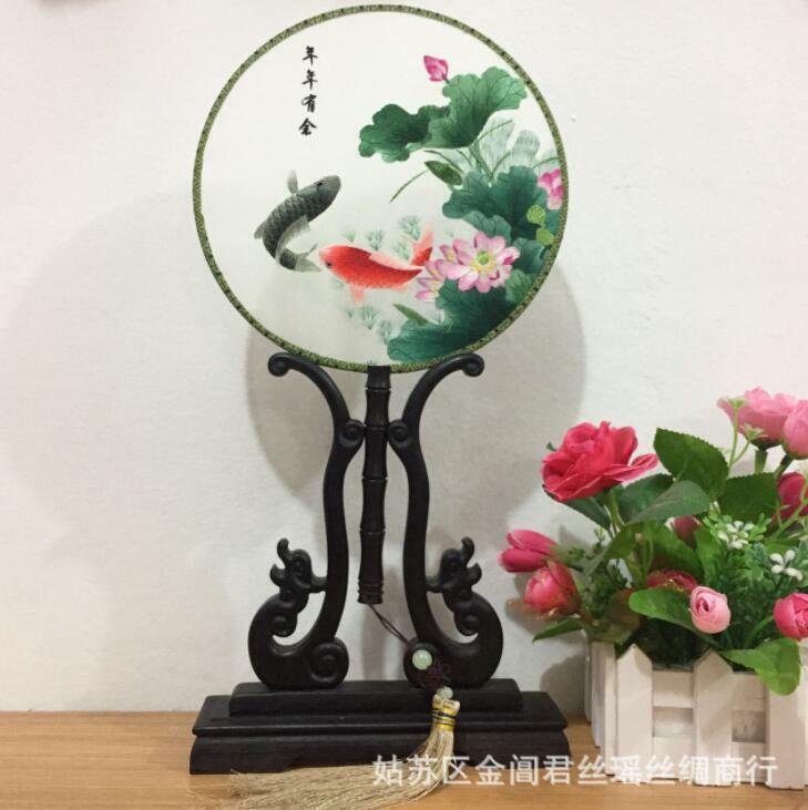 Hand Made Lifelike Chinese 3D Carp Double Side SU Embroidery Silk Hand Fan