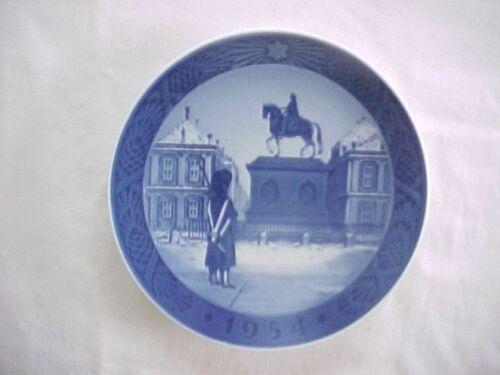 1954 Royal Copenhagen Denmark Annual Christmas Plate