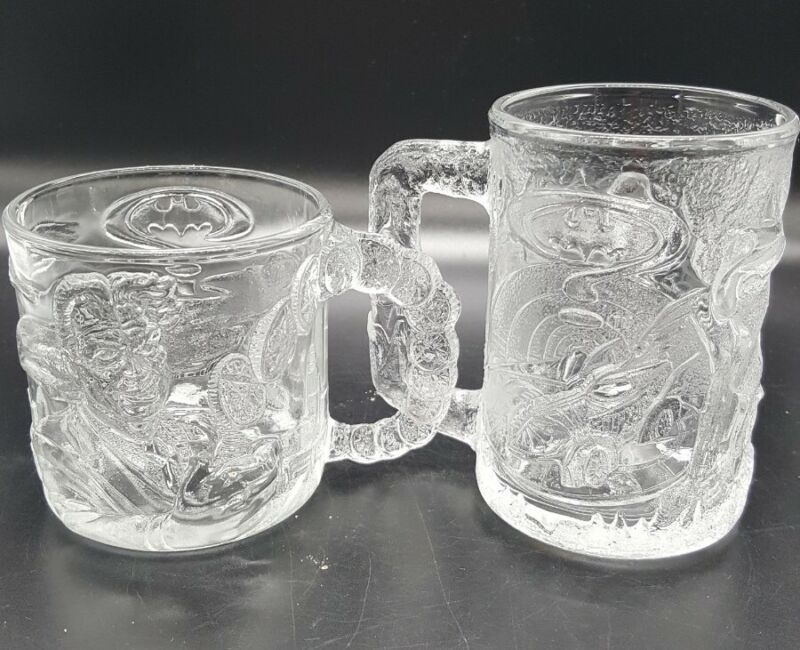 BATMAN FOREVER McDonalds 1995 Set Of 2 Embossed Glass Mugs Cups Two Face & Robin