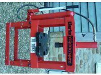 CLARKE 10 ton Strong-Arm Hydraulic Press