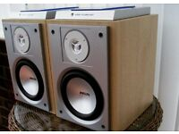 Speakers Light Oak effect.
