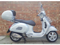 Piaggio VESPA GTS 300 TOURING ABS, as new condition with 500 miles