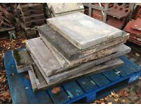 Pallet of 8 paving slabs