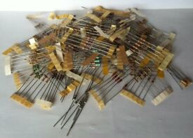 2 packs of 265 x Resistors 1/4 W Carbon Film Assortment, values from 10R to 1M ohms.