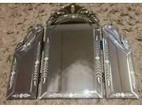 Vanity triple dressing venetian table mirror