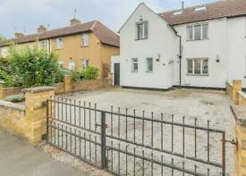 4 bedroom house in Northcote Avenue, Isleworth, TW7