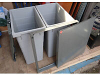 Cargo Synchro Hailo 56 Litre Fitted Waste Bins