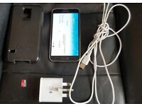 SAMSUNG GALAXY S5 EXCELLENT CONDITION UNLOCKED TO ALL NETWORKS, CHARGER, OTTERBOX CASE, AND SD CARD