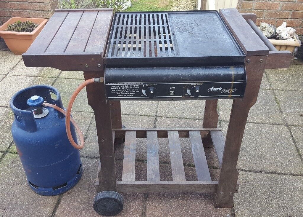 X Wyevale Hard Wood Gas Fired BBQ Barbecue And Grill RRP £249