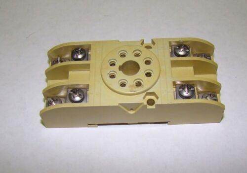 1pc SGP 8-Pin Plug-In Relay Rail Mount Socket, Used