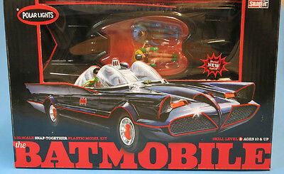 Polar Lights 1/25 1966 TV Batmobile Snap Pre-Painted Plastic Model Kit #824