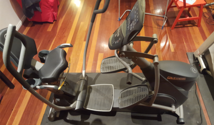 Seated Elliptical Trainer - Octane Fitness XR6CE