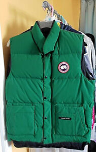 Canada    Goose Freestyle Vest • Men's   Small