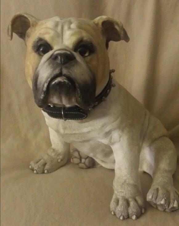 Lifesize English Bulldog