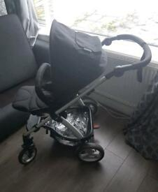 Mamas&papas sola2 pushchair+ carrycot in a great condition £100
