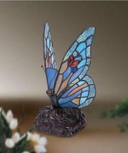 BLUE-BUTTERFLY-TIFFANY-STYLE-GLASS-TABLE-LAMP