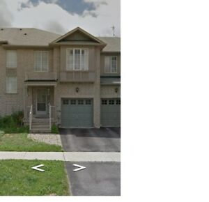 3 bedroom townhouse for rent at Highway 7 & Bayview