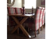 SOLID OAK DININGROOM TABLE + 6 CHAIRS