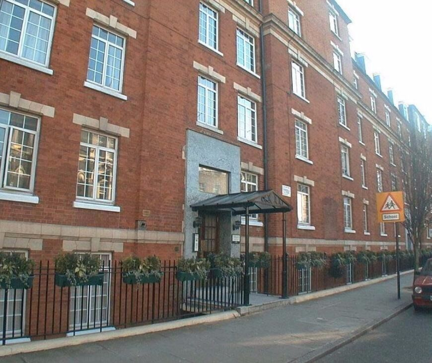 GOOD SIZE 1 BEDROOM****MARYLEBONE***PORTED BUILDING***AVAILABLE NOW**GREAT PRICE FOR LOCATION**