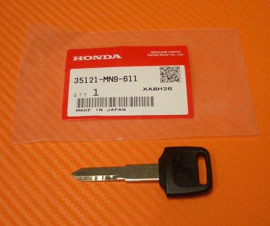 SAFA 12V 44AH 440A EN Batteria Accumulatore Auto Positivo a destra dx SP44LB
