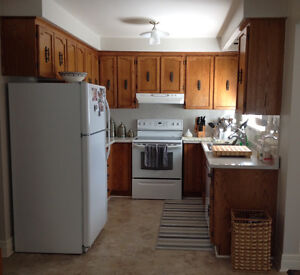 Kitchen cabinets buy sell items tickets or tech in for Oak kitchen units for sale