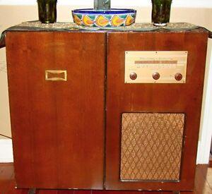 Stromberg-Carlson radio & turntable console