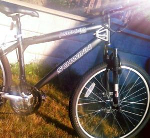 KICKER bike.        O-o/'