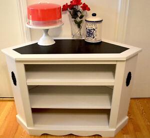 Gorgeous Custom Storage Unit - Solid Wood Oakville / Halton Region Toronto (GTA) image 3