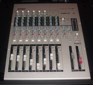 Yamaha MW12 USB Mixing Console w/SKB Moulded Road case