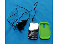 Virtually new BLACKBERRY BOLD 9000, case, charger, new battery can send