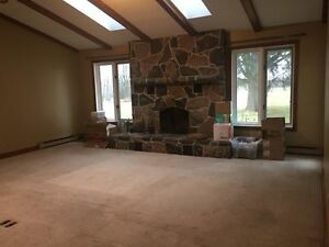 1550 Huron Rd -Large Farm House On The Edge of Kitchener