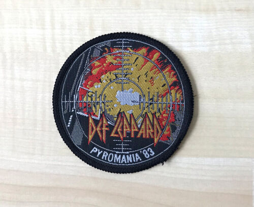 """DEF LEPPARD Pyromania Tour 1983 Vintage 3 3/8"""" Patch fabric embroidered RARE!"""