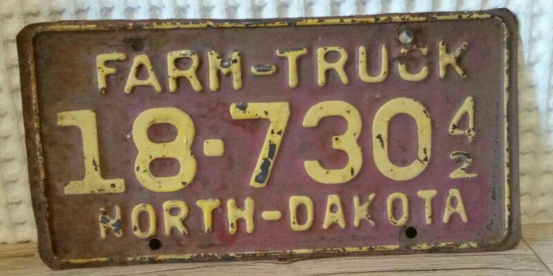 North Dakota 1942 Farm Truck License Plate