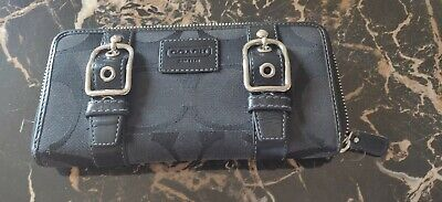 COACH WOMENS WALLET  (AUTHENTIC)  PRE-OWNED