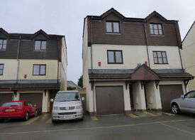Unfurnished Semi-Detached Town House situated in an elevated position above Dartmouth