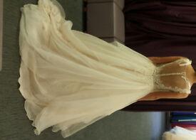 Berketex Bride Wedding Dress, Size 6-8