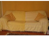 3-Seater Settee in yellow/gold